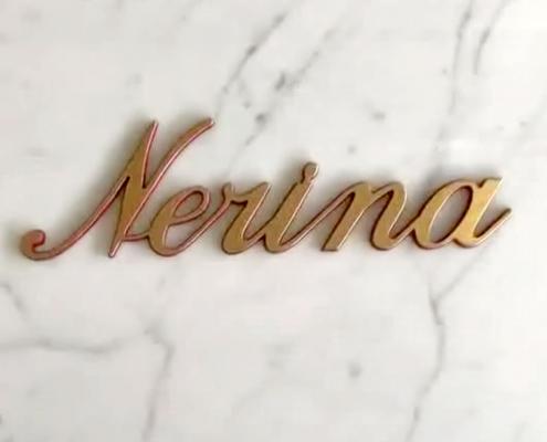 news-nerina-corsivo-bordi-colorati